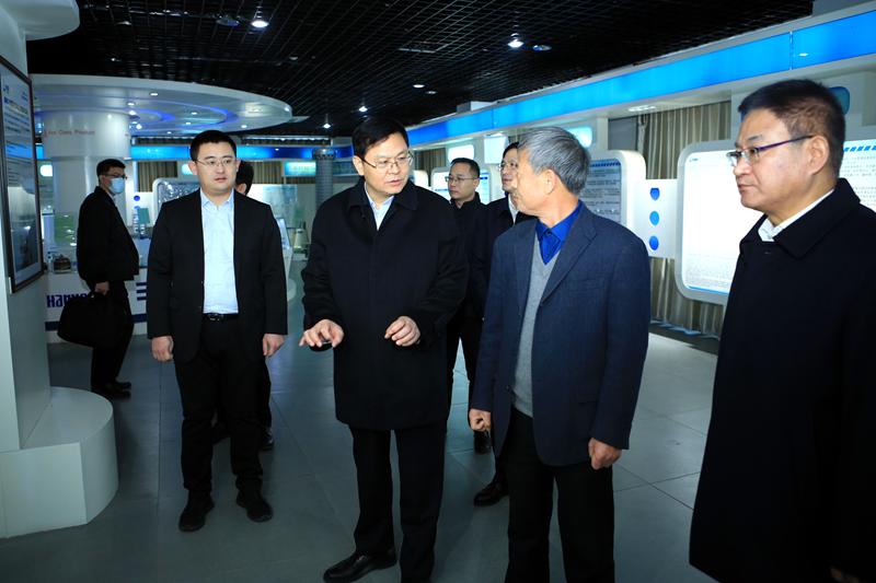 赵豪志在崂山区调研时强调 不断强化创新驱动作用 支持民营企业做大做强